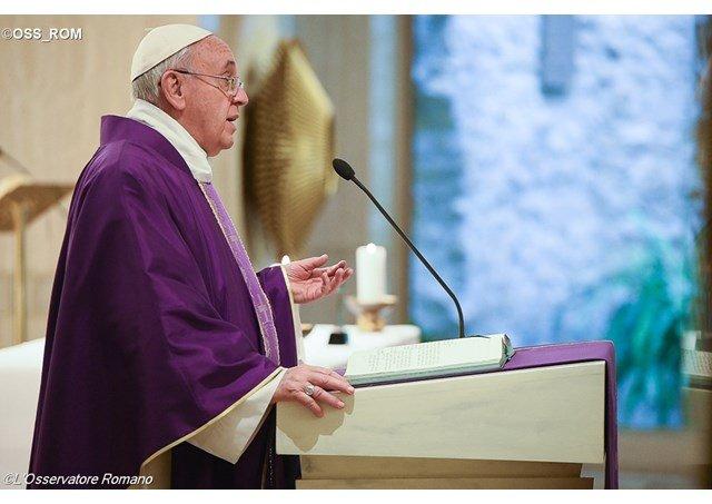 """""""Los mártires nos ayudan a no caer en la tentación de transformar la fe en poder"""""""