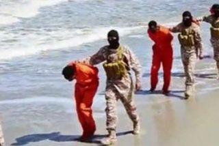 """Francisco condena el """"continuado martirio"""" de cristianos por parte del Estado Islámico"""
