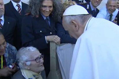 """El Papa denuncia el machismo y """"la mercantilización del cuerpo femenino"""""""