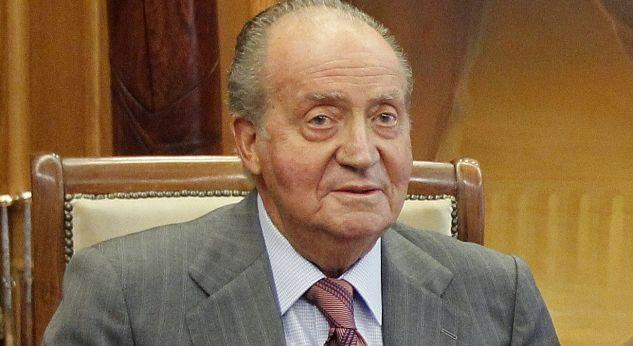 El Rey Juan Carlos sale en defensa de Fernando Alonso