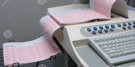 Un cardiólogo extremeño pone en marcha una aplicación móvil que permite compartir electrocardiogramas