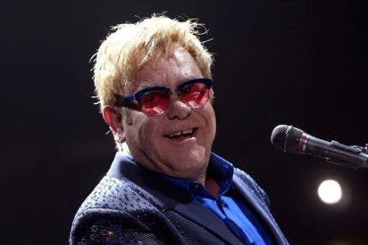 """Elton John habla del cambio de sexo de Bruce Jenner: """"Es muy valiente"""""""