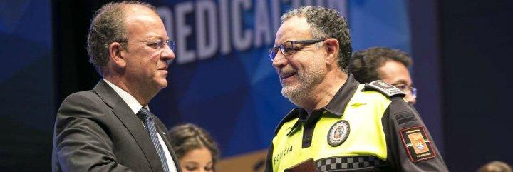 Extremadura reconoce a policías locales con entrega de 306 medallas