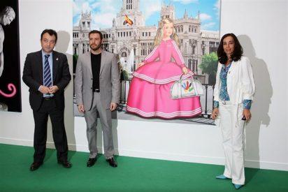 El artista Antonio de Felipe y su retrato 'pop' de la Familia Real
