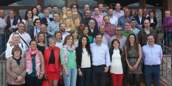 Fernández Vara garantiza que el próximo curso habrá transporte escolar universal y gratuito