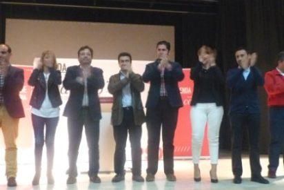El secretario general del PSOE en Extremadura, Guillermo Fernández Vara, visita Almendralejo