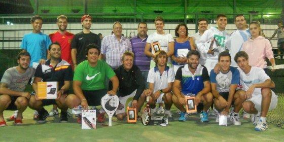 El Ayuntamiento cacereño de Almaraz organiza el Torneo de Pádel de Primavera