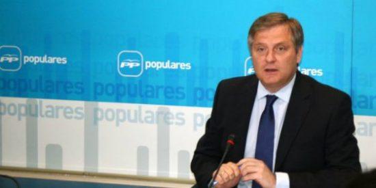 """PP, tras la encuesta de 'La Razón': """"Page es una rémora para el PSOE"""""""