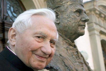 El hermano de Benedicto XVI defiende a Francisco frente a los conservadores