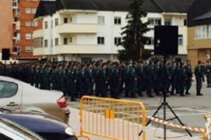 La Guardia Civil se gasta 60.000 euros en una bandera, mientras los guardias civiles trabajan con medios precarios