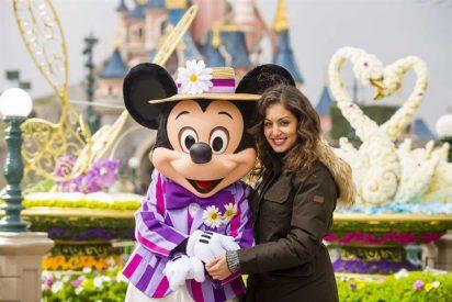 Rita Ora, Hiba Abouk y Marta Hazas, como niñas en Disneyland París