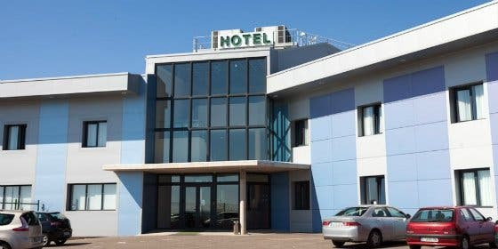 El PCEx exige la paralización del acto sexista del Hotel Romero de Mérida