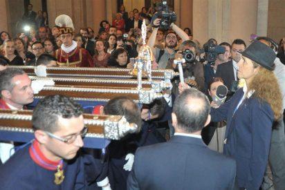 La Infanta Elena, acude a la procesión de los Alabarderos