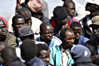 Naufraga un pesquero atiborrado con 700 inmigrantes que intentaban llegar de Libia a Europa