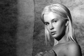 Ireland Baldwin, hija de Kim Basinger y Alec Baldwin, muy sexy en las redes