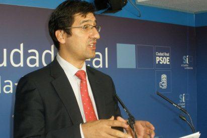 El PSOE facilitará un modelo gratuito a los dependientes para que puedan recurrir y reclamar las decisiones del Gobierno de Cospedal