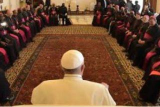 """El Papa reza con los obispos de Kenia por las víctimas de la """"brutal"""" masacre de Garissa"""