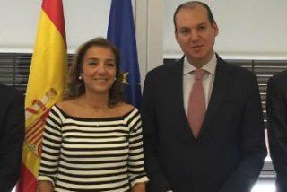 Hernández Carrón presenta el proyecto del nuevo hospital de Cáceres