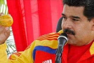 A Maduro se le ablanda la sesera tras el 'mangazo' y regala un piso a su 'atacante'