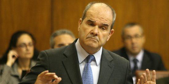 Chaves no adelanta si seguirá de diputado y marca distancias con Griñán