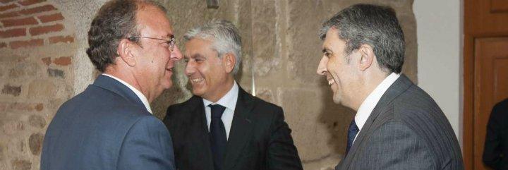 El presidente Monago se reúne con representantes del Banco de España-Duero