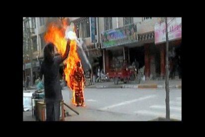 Una monja tibetana se quema a lo bonzo