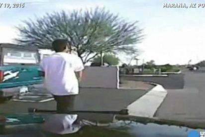 El vídeo del brutal atropello de un coche de policía a un ladrón armado