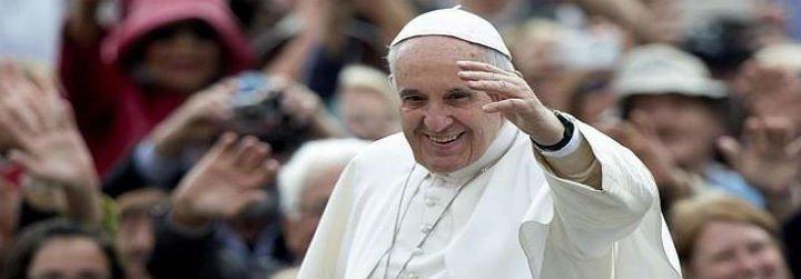 """El Papa denuncia el """"escándalo"""" de que las mujeres ganen menos que los hombres"""