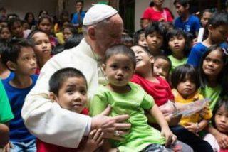 """Francisco: """"No responsabilicemos a los niños de nuestros errores. ¡Los niños no son un error!"""""""