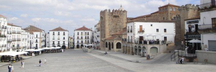 La oficina de la Capitalidad Gastronómica de Cáceres, cerrada en Semana Santa