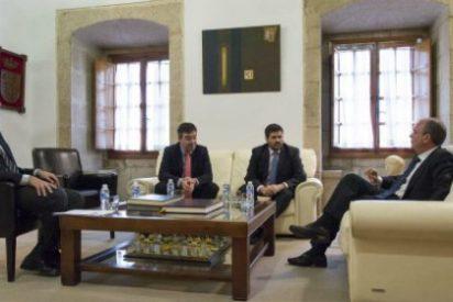 Monago recibe en Presidencia al delegado territorial de la ONCE en Extremadura