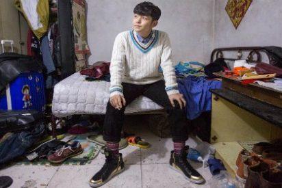 La 'tribu de las ratas' que se ve obligada a vivir bajo tierra en Pekín se asfixia sin remedio
