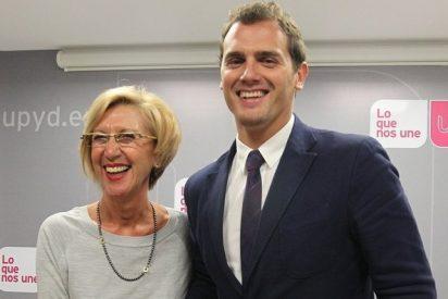 """Rosa Díez acusa a Albert Rivera de """"estar disfrutando"""" con la crisis de UPyD"""