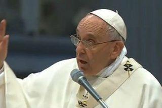 """Francisco, a los nuevos sacerdotes: """"Ustedes están para perdonar y no para condenar"""""""