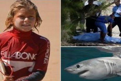 Este surfista de 13 años ha muerto al devorarle un tiburón las piernas