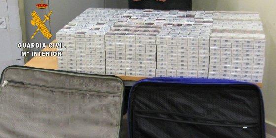 Intervenidas en el Aeropuerto de Talavera la Real 1.600 cajetillas de tabaco de contrabando
