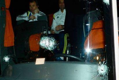 El Fenerbahce pide suspender la Liga turca tras el tiroteo al autobús del equipo