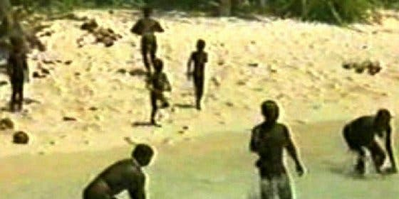 [Vídeo] La misteriosa tribu que vive aislada desde hace 60.000 años... ¡asesina a cualquier invasor!
