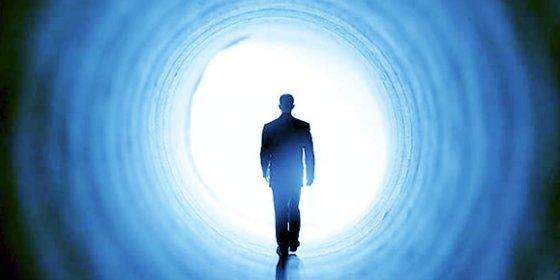 Los científicos desvelan por fin el misterio de la 'luz al final del túnel' tras la muerte