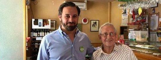 Monedero se queda mudo tras enterarse de que su 'padrazo' votó a VOX en las europeas