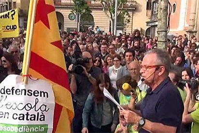 Acoso de CiU, ERC, ICV-EUiA y la CUP a una familia de Mataró por pedir educación bilingüe para sus hijos