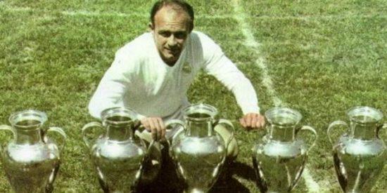 Eduardo Inda anuncia que los trofeos de Alfredo Di Stéfano peligran en el museo del Real Madrid