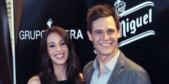 Cayetano Martínez de Irujo, Almudena Cid y Christian Gálvez en los premios 'La Alcazaba'