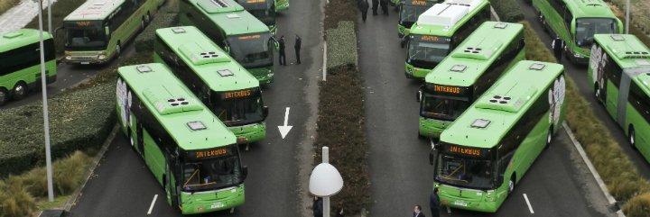 Familias numerosas y jóvenes en Extremadura pueden acceder a descuentos del 50% en el billete de autobús interurbano