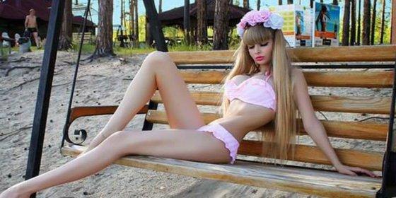 Las fotos de la 'Barbie' sin voluntad que te pondrán los pelos de punta