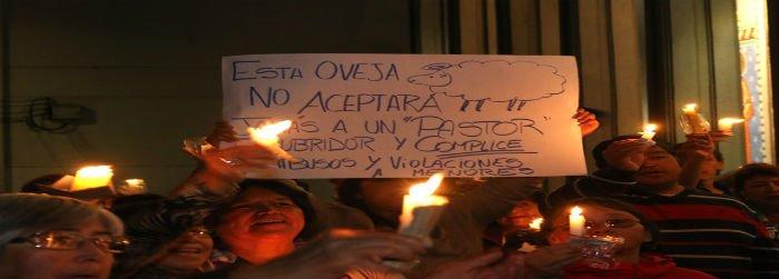 Laicos de Osorno continuan pidiendo la renuncia del Obispo Barros