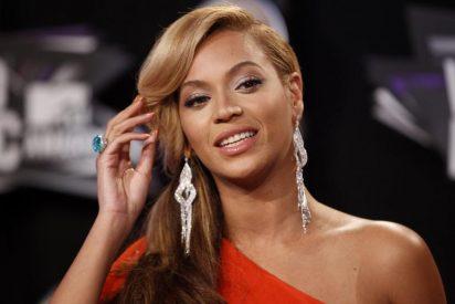 Beyonce eclipsa el combate del siglo con su atrevido escote