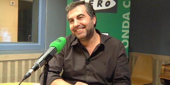 """Carlos Alsina se cachondea del desliz de Rivera: """"Empieza a cundir la expresión 'rivereces' para definir sus meteduras de pata"""""""
