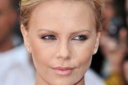 Charlize Theron deslumbra en la presentación de la película Mad Max