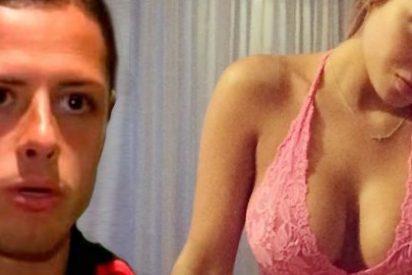 Afirma quitándose la ropa que quiere sexo con Chicharito